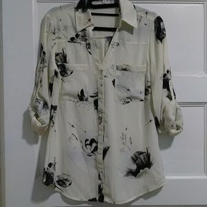 Ivory/black rose print button down blouse. Small